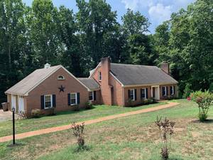 Property in ALTAVISTA,VA